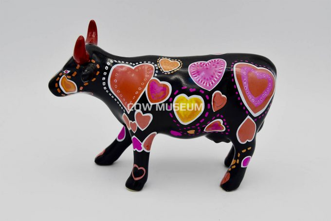 Cow-ween of Hearts (medium ceramic)