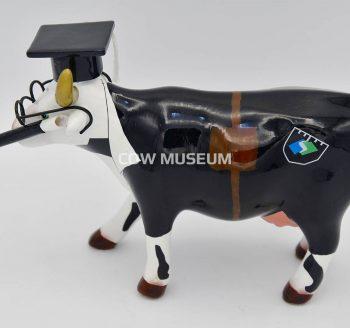 Cow Doutora figurine