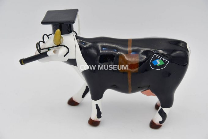 Cow Doutora (medium ceramic)