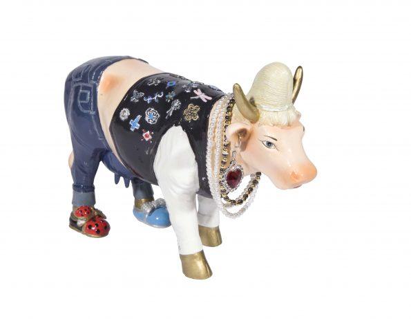 Queen Cow Caesar (medium) 2
